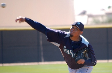 Felix Hernandez threw to live batters for the first time yesterday. (Greg Johns/Mariners.com)