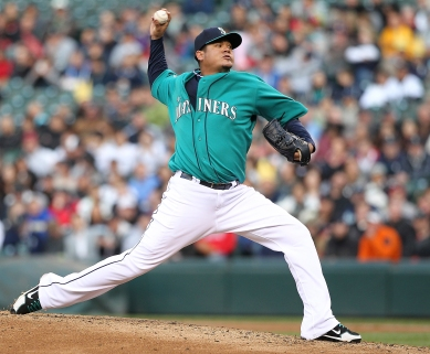 Felix Hernandez allowed 1 run over 8.0 innings in the Mariners 6-1 win over the Rangers May 21, 2012. (Getty Images)
