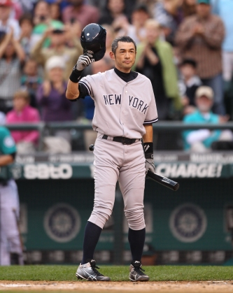 Ichiro's Yankee debut at Safeco Field prompted a standing ovation for the longtime Mariner.