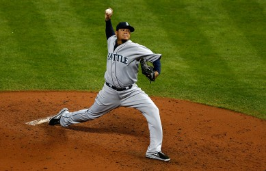 Felix Hernandez recorded his 100th career win with 6.0 scoreless innings Monday night at Houston.