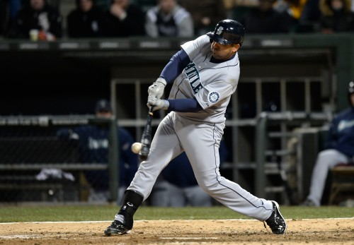 Kendrys Morales plated the go-ahead run with a double in the top of the 10th inning to help the Mariners to a 8-7 win over the White Sox. (Getty Images)