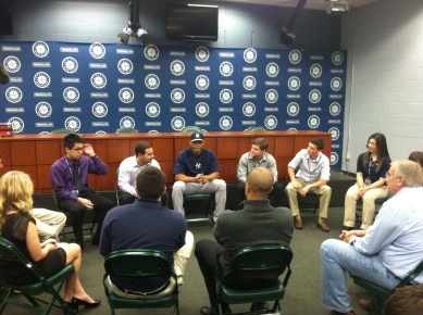 Mariano Rivera meets with Mariners fielders.