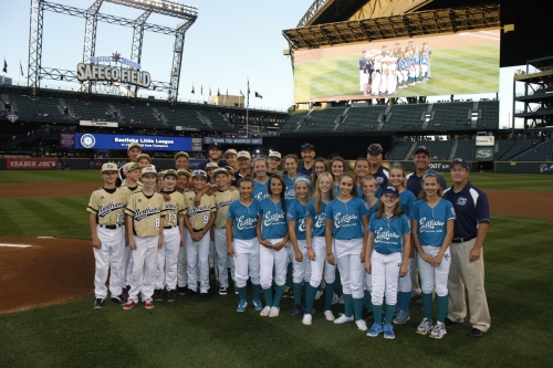 Members of the Eastlake Little League, Washington State Majors Baseball & Softball Champions, were honored before the Sept. 10 game at Safeco Field.