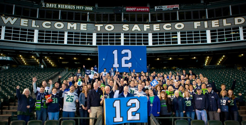 The Mariners front office joining the rest of the PNW in Blue Friday festivities.