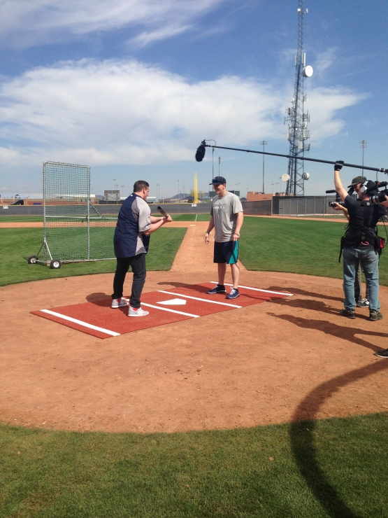 Logan Morrison gives MTV comedian Chris Distefano some hitting tips.