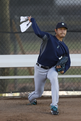 Hisashi Iwakuma going through his towel drills.