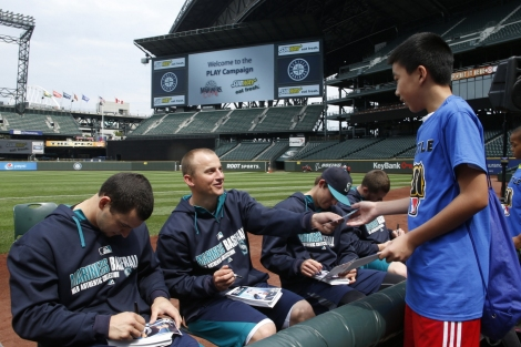 In addition to information about healthy lifestyles, kids at the PLAY Campaign event at Safeco Field got autographs from Kyle Seager and teammates.