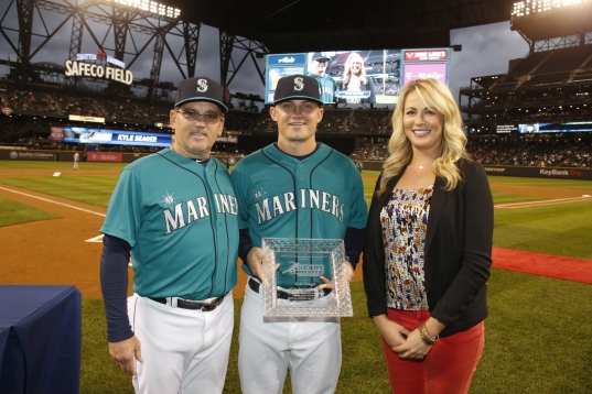 Kyle Seager was presented the MLBPAA Heart and Hustle Award.
