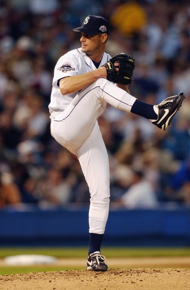 Pitching a scoreless inning in the 2003 All-Star Game (Getty).