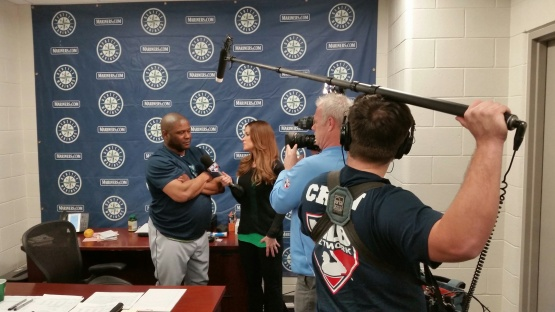 MLB Network's Sam Ryan checks in with Lloyd McClendon.