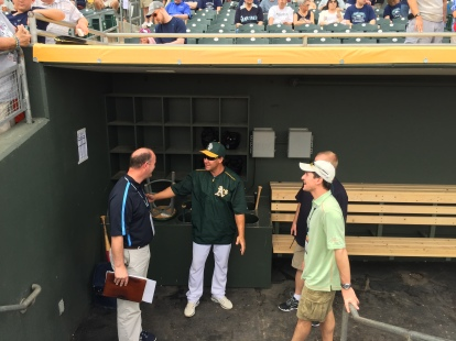 Former Mariners All-Star Bret Boone talks with Mariners staffers and Brad Adam.