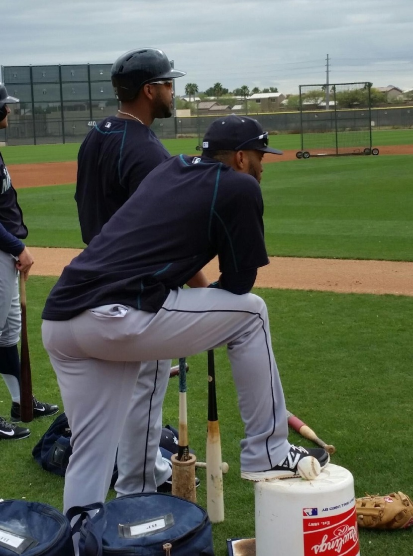Robinson Cano and Nelson Cruz wait their turn to face live pitching today.