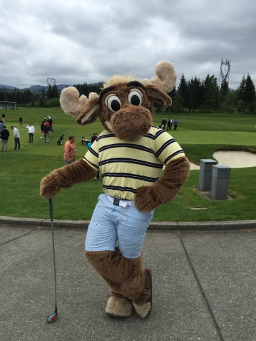 The Mariner Moose decked out in his golf attire.