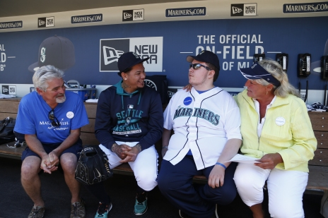 Randy Martin and his family chatting with Felix Hernandez.