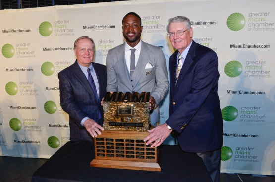 Woody Woodward (r), Dwyane Wade (c) and Jack Nicklaus at the Greater Miami Sports Hall of Champions.