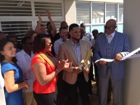 Robinson Canó presides over the grand opening for his RC22 DREAM School in the Dominican Republic.