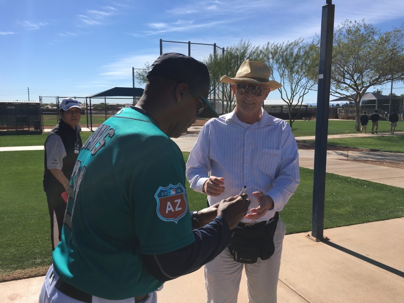 February 2016 from the corner of edgar dave alvin davis who is serving as a special assistant coordinator for the mariners has been working with the major and minor leaguers in camp and as you can sciox Gallery