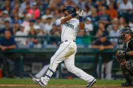 SEATTLE, WA - AUGUST 22: Franklin Gutierrez #30 of the Seattle Mariners hits a two-run double in the sixth inning against the Chicago White Sox at Safeco Field on August 22, 2015 in Seattle, Washington. (Photo by Otto Greule Jr/Getty Images)
