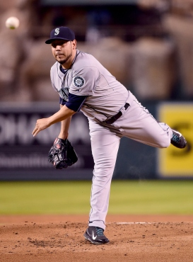 ANAHEIM, CA - SEPTEMBER 25: Vidal Nuno #38 of the Seattle Mariners pitches against the Los Angeles Angels during the first inning at Angel Stadium of Anaheim on September 25, 2015 in Anaheim, California. (Photo by Harry How/Getty Images)