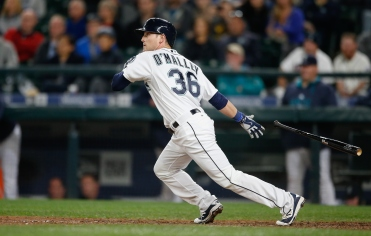 SEATTLE, WA - SEPTEMBER 29: Shawn O'Malley #36 of the Seattle Mariners hits a two-run RBI single in the eighth inning against the Houston Astros at Safeco Field on September 29, 2015 in Seattle, Washington. (Photo by Otto Greule Jr/Getty Images)