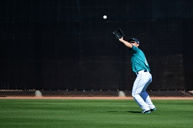 PEORIA, AZ - FEBRUARY 25: Outfielder Nori Aoki #8 of the Seattle Mariners participates in a spring training workout at Peoria Sports Complex on February 25, 2016 in Peoria, Arizona. (Photo by Jennifer Stewart/Getty Images)