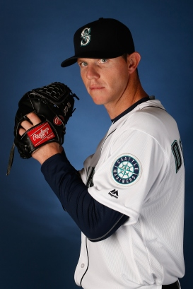 PEORIA, AZ - FEBRUARY 27: Pitcher Justin De Fratus #25 of the Seattle Mariners poses for a portrait during spring training photo day at Peoria Stadium on February 27, 2016 in Peoria, Arizona. (Photo by Christian Petersen/Getty Images)