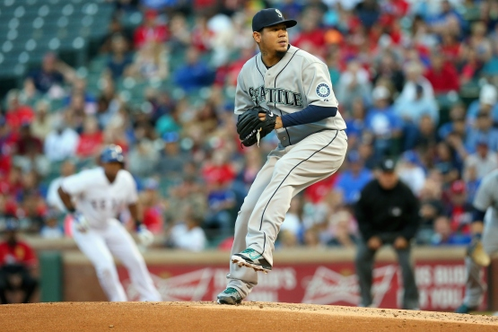 ARLINGTON, TX - APRIL 29: Felix Hernandez #34 of the Seattle Mariners throws against the Texas Rangers in the second inning at Globe Life Park in Arlington on April 29, 2015 in Arlington, Texas. (Photo by Ronald Martinez/Getty Images)