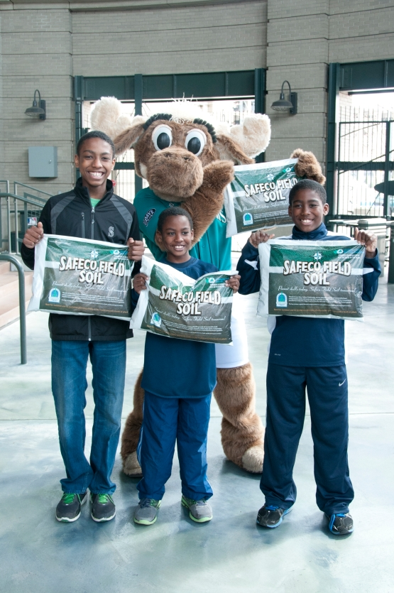 The first 5,000 fans leaving Tuesday's game against the Houston Astros will receive a bag of Safeco Field Soil, courtesy of Cedar Grove Composting.